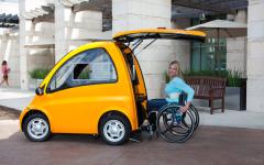 谁说坐轮椅不方便出行?Kenguru 让你开着车出门